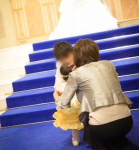子連れ結婚式で1歳の娘にリングガールお願いした